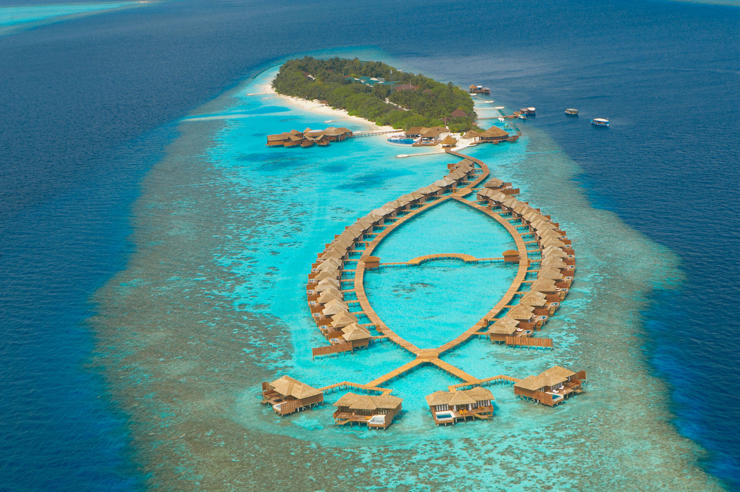 Maldives-Lily_Beach_Resort_Spa